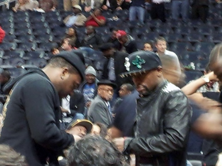 A bit blurry but that is Floyd Mayweather...photo courtesy of Morgan Harris