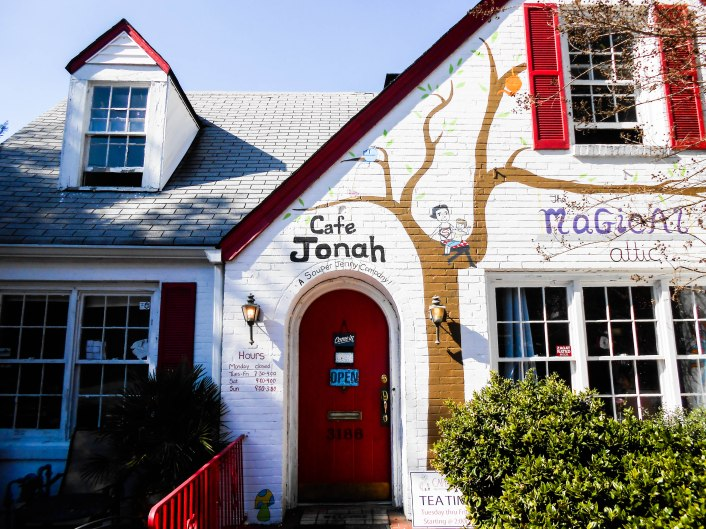 Cafe Jonah - Fresh and tasty food...check it out for lunch!