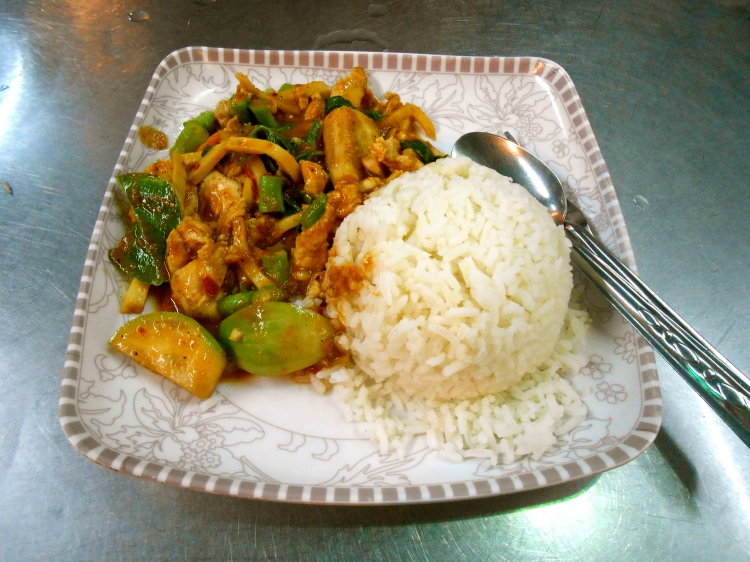 Thai street food...red curry for only 40 Baht ($1.30)